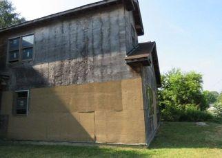 Casa en Remate en Brentwood 11717 LUKENS AVE - Identificador: 4288424744