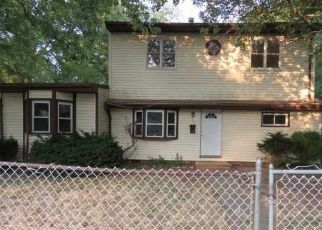 Casa en Remate en Central Islip 11722 NICOLL AVE - Identificador: 4288457584
