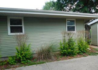 Casa en Remate en Villa Grove 61956 MATTESON DR - Identificador: 4289149141