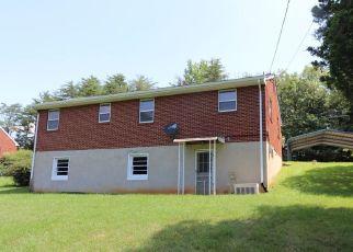Casa en Remate en Roanoke 24014 ELLINGTON ST - Identificador: 4289793404