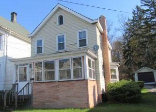 Casa en Remate en Kingston 12401 MONTREPOSE AVE - Identificador: 4290537975