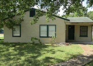 Casa en Remate en Edna 77957 W CYPRESS ST - Identificador: 4291421355