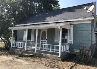Casa en Remate en Charleston 61920 ADAMS AVE - Identificador: 4294950101