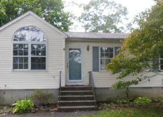 Casa en Remate en East Moriches 11940 COUNTY ROAD 51 - Identificador: 4296075259