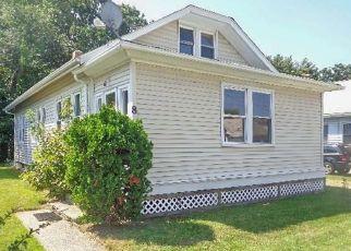 Casa en Remate en Warwick 02888 DELAWARE AVE - Identificador: 4297412398