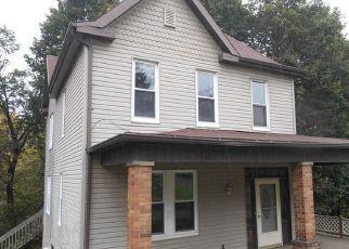 Casa en Remate en Larimer 15647 BROWNSTOWN RD - Identificador: 4299160804