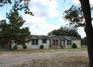 Casa en Remate en Floresville 78114 WILLOW CREEK DR - Identificador: 4299705183
