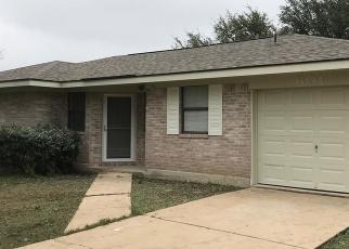 Casa en Remate en Marion 78124 WILDFLOWER CIR - Identificador: 4299740228