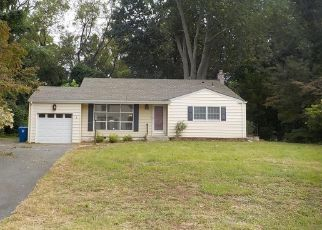 Casa en Remate en Lincroft 07738 RIVERBROOK AVE - Identificador: 4303448563