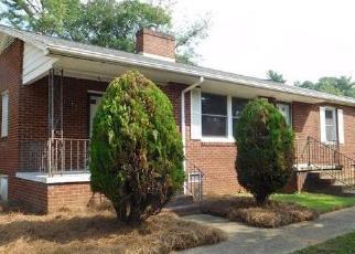 Casa en Remate en Shelby 28152 LOWERY ST - Identificador: 4305421183