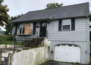 Casa en Remate en Terryville 06786 AMES AVE - Identificador: 4306842417