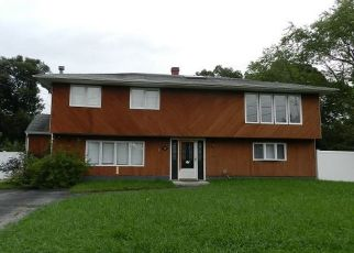 Casa en Remate en Port Jefferson Station 11776 WOODHULL AVE - Identificador: 4311936944