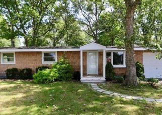 Casa en Remate en Westhampton 11977 MILL RD - Identificador: 4314105788