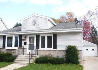 Casa en Remate en Two Rivers 54241 HAWTHORNE ST - Identificador: 4315209476