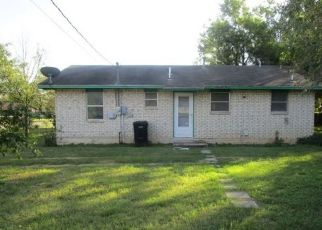 Casa en Remate en Pearsall 78061 E COMAL ST - Identificador: 4317681394