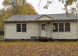 Casa en Remate en Leeton 64761 N LEE ST - Identificador: 4318575751