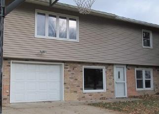 Casa en Remate en Decorah 52101 HILLCREST DR - Identificador: 4328411321