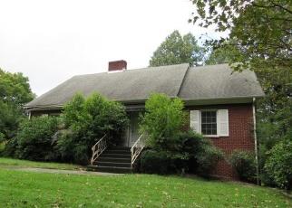 Casa en Remate en Spruce Pine 28777 HILLCREST CIR - Identificador: 4334044551