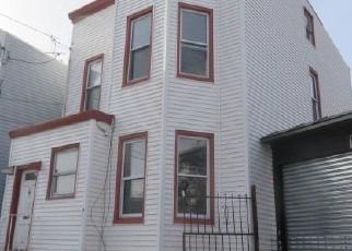 Casa en Remate en Astoria 11102 WELLING CT - Identificador: 4345939931