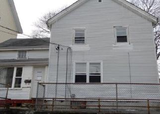 Casa en Remate en Central Falls 02863 TIFFANY ST - Identificador: 4346761563