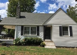 Casa en Remate en White Bluff 37187 TRACE CREEK RD - Identificador: 4350107686