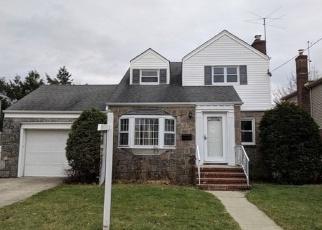 Casa en Remate en Garden City 11530 EUSTON RD S - Identificador: 4350866696