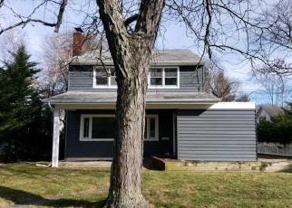 Casa en Remate en Brightwaters 11718 WOODLAND DR - Identificador: 4357422731