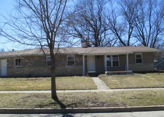 Casa en Remate en Streamwood 60107 FOREST DR - Identificador: 4394590510