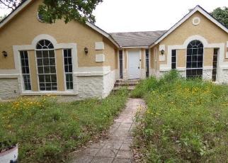 Casa en Remate en Elmendorf 78112 HICKORY SHADOW - Identificador: 4400954264