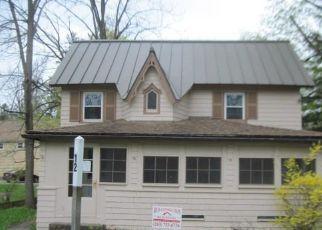 Casa en Remate en Lakeville 06039 PETTEE ST - Identificador: 4404151932