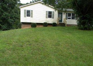 Casa en Remate en Mount Airy 27030 OAK RIDGE PL - Identificador: 4408306540