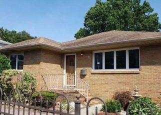 Casa en Remate en Clifton 07013 BOWDOIN ST - Identificador: 4408973580
