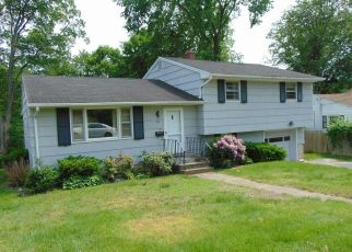 Casa en Remate en Waterbury 06706 PEARL LAKE RD - Identificador: 4409026124