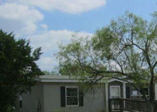 Casa en Remate en Dale 78616 HAZELNUT DR - Identificador: 4414345321