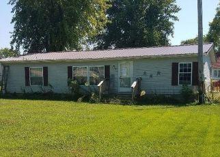 Casa en Remate en Crossville 62827 FIRST ST - Identificador: 4417300333