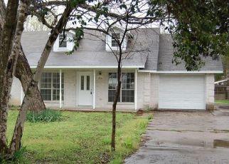 Casa en Remate en Lockhart 78644 S MAIN ST - Identificador: 4460382527