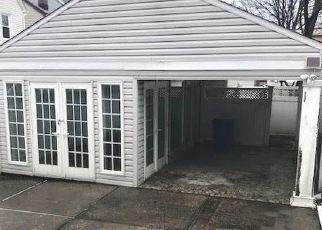 Casa en Remate en Middle Village 11379 66TH RD - Identificador: 4463880628