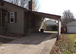 Casa en Remate en Blue Springs 64015 SW 16TH ST - Identificador: 4465528276