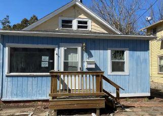 Casa en Remate en Norwich 06360 PENOBSCOT ST - Identificador: 4486864180