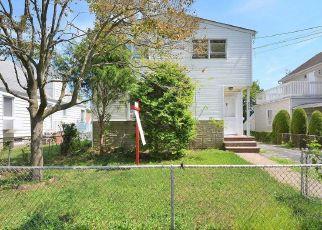 Casa en Remate en New Hyde Park 11040 N 5TH ST - Identificador: 4492698435