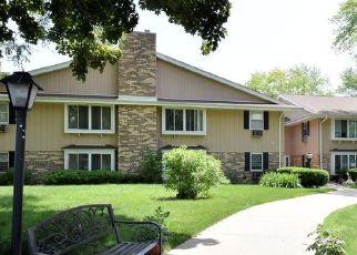 Casa en Remate en Milwaukee 53223 W BROWN DEER RD - Identificador: 4500935413
