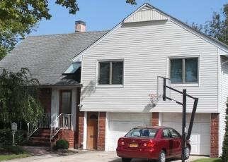Casa en Remate en East Rockaway 11518 MALLOW RD - Identificador: 4501632226
