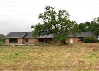 Casa en Remate en Ledbetter 78946 FM 1697 - Identificador: 4506000140