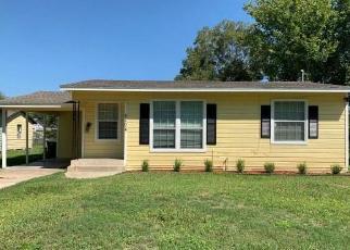 Casa en Remate en Victoria 77901 E SABINE ST - Identificador: 4509350652