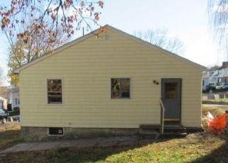 Casa en Remate en Cranston 02920 MAPLEWOOD AVE - Identificador: 4516970973
