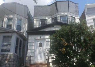 Casa en Remate en Woodhaven 11421 88TH AVE - Identificador: 4518651911