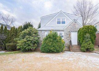 Casa en Remate en Garden City 11530 STEWART AVE - Identificador: 4521571888