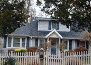 Casa en Remate en Sound Beach 11789 LOWER ROCKY POINT RD - Identificador: 4529300359