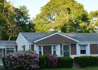 Casa en Remate en Warwick 02888 FARNUM RD - Identificador: 4530065502