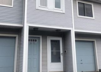 Casa en Remate en Waterbury 06705 STONEFIELD DR - Identificador: 4530728151